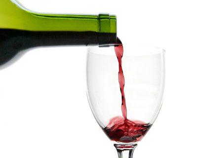 Pagalba priklausomam nuo alkoholio: būtinas visiškas susilaikymas ar įmanoma gerti saikingai?