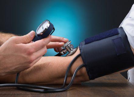 Kraujo spaudimo stebėjimas namuose: ar verta tai daryti?