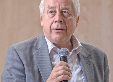 Komentuoja Vilniaus Universiteto medicinos fakulteto vaikų ligų klinikos vedėjas prof. Vytautas Usonis