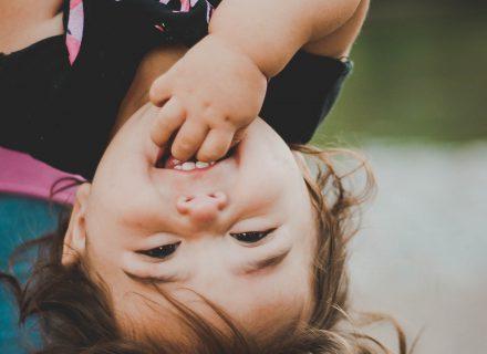 Dantų dygimo metas sunkus ir vaikams, ir tėvams