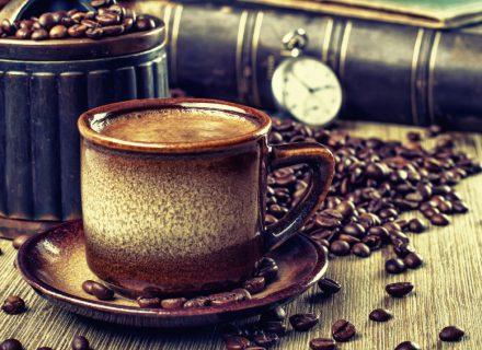 Kodėl išgėrus kavos norisi tuštintis?