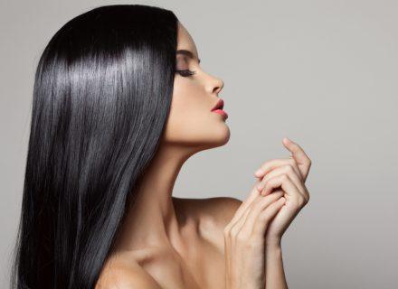 7 išsamūs būdai, kaip prižiūrėti plaukus šaltuoju metų laiku. + Specialisto komentaras