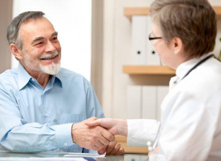 Metastazavusio kastracijai atsparaus prostatos vėžio gydymo aktualijos