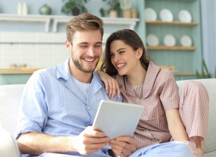 Kuo apie santykius nederėtų dalintis socialiniuose tinkluose?