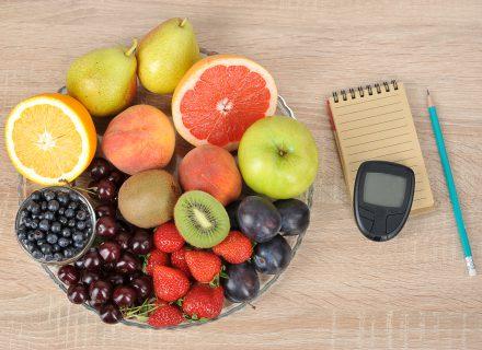 Kokius vaisius ir uogas rinktis diabetu sergantiems žmonėms?