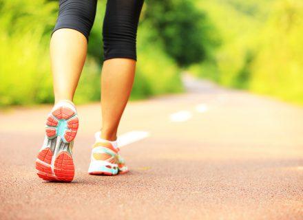 Ar vaikščiojimas tikrai padės numesti svorio?