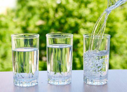 Norite džiaugtis geresne atmintimi ar būti energingesni? Gerkite vandenį!