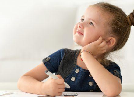Kaip pesimistiniais laikais užauginti optimistus vaikus?