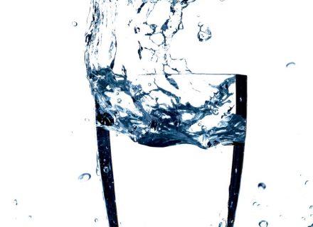 Kodėl mums būtina gerti vandenį ?