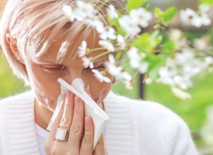 Pavasarinis žydėjimas gali sukelti alerginį rinitą